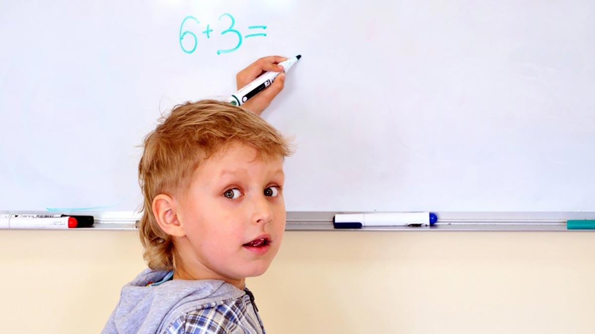Особенности развития детей с доминантной левой рукой