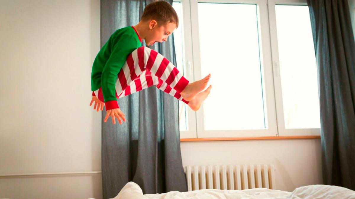 Чем занять ребенка в квартире, если он любит бегать?